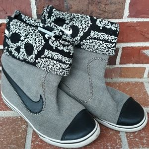 Nike Canvas Skull Sneaker Boot
